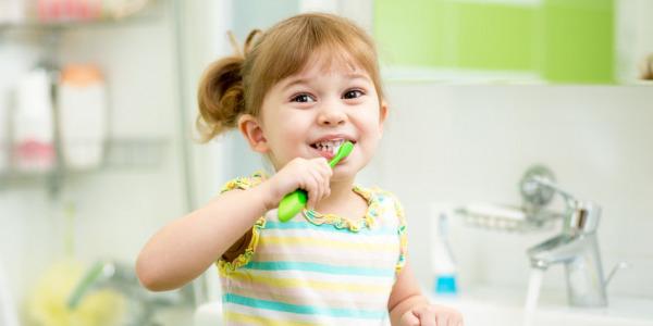 ¿Cómo aliviar las encías irritadas?